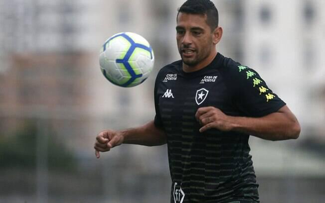 Diego Souza deixou o Botafogo