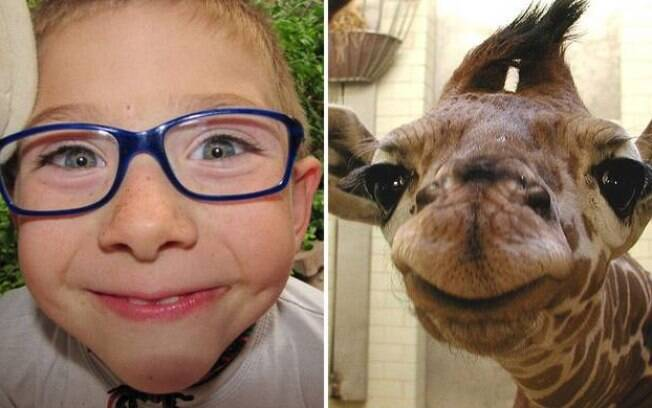 Um menino e uma girafinha te encarando de maneira debochada.
