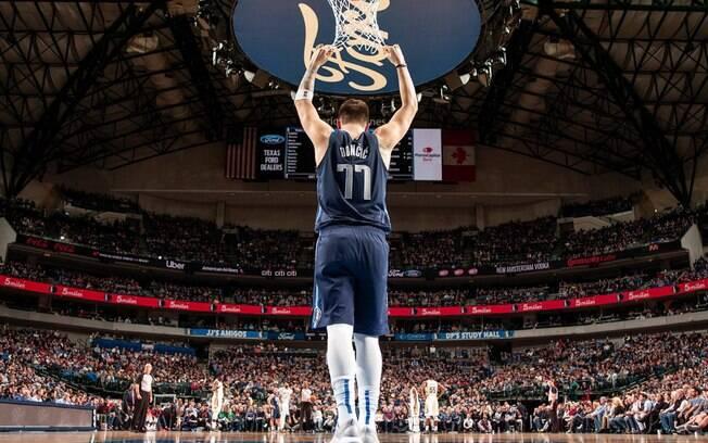 Luka Doncic, do Dallas Mavericks, deve ganhar prêmio de novato do ano