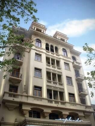 Fachada restaurada do Esplendor Hotel Montevideo: prédio datado de 1928
