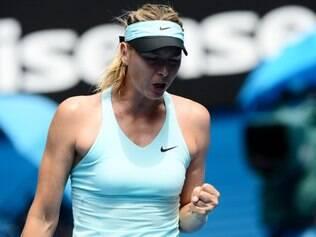 Sharapova, número 3 do mundo, superou a francesa Alize Cornet 25ª colocada no ranking,