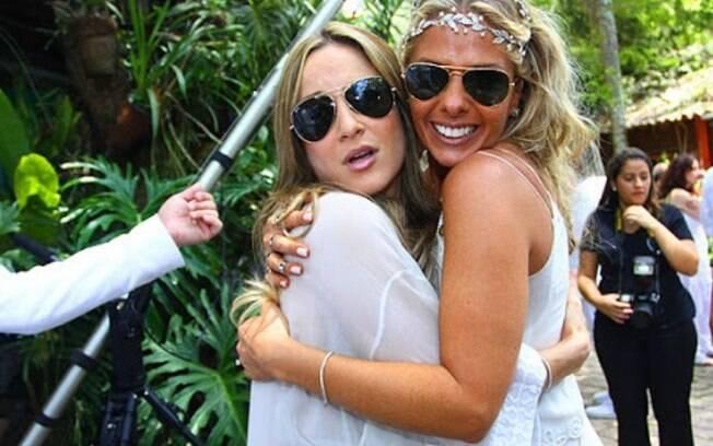 Adriane Galisteu e Claudia Leitte eram inseparáveis até uma confusão por causa do programa de Adriane