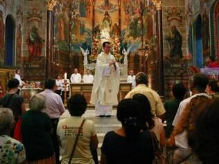 Cidades -  Belo Horizonte - Minas Gerais. Missa do dia de Sao Jose na Igreja de Sao Jose no Centro de BH.  Foto: Uarlen Valerio / O Tempo 19.03.2014