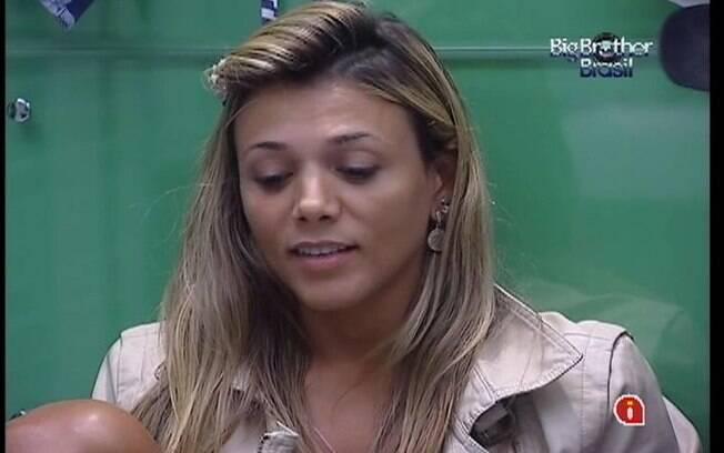 Fabiana reclama do ócio para Fael
