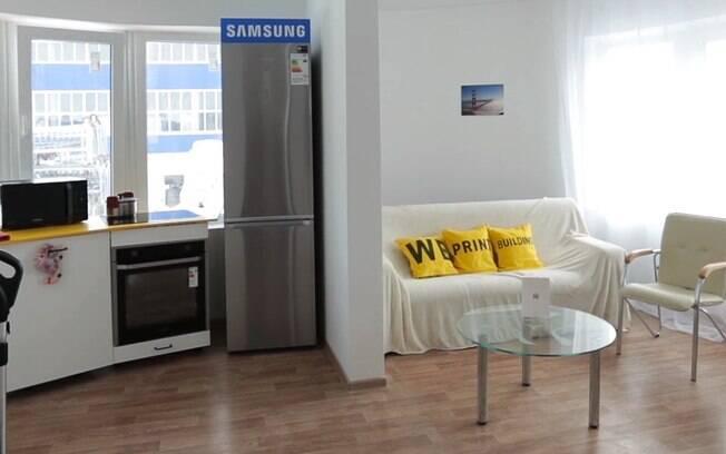 Com sala de estar, cozinha e banheiro, a casa é pequena, mas perfeitamente habitável