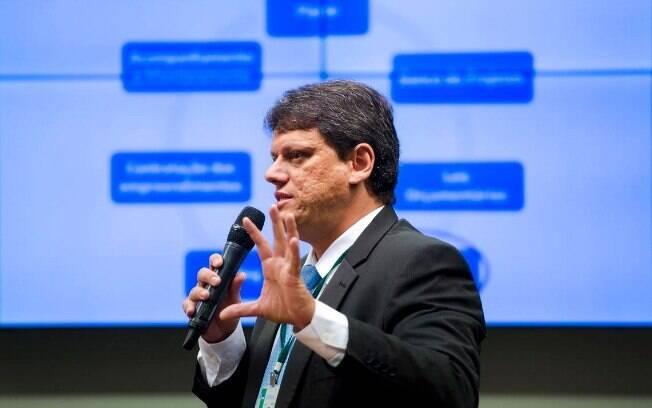 Segundo Tarcísio Gomes de Freitas, o próximo passo será lançar editais para leilão de terminais em Santos e Paranaguá