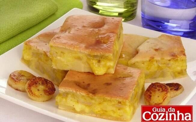 Torta de queijo com banana e curry: diferente e prática