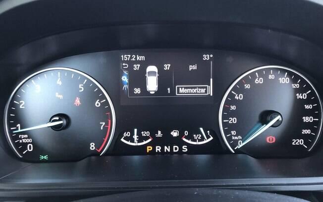 O computador de bordo do Ford EcoSport 2020 conta com leitura da pressurização dos pneus