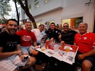 ESPORTES. BELO HORIZONTE, MG.  Chilenos chegam em Belo Horizonte.  FOTO: LINCON ZARBIETTI / O TEMPO / 27.06.2014