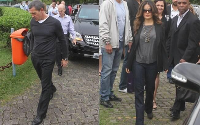 Antonio Banderas e Salma Hayek chegam ao heliponto