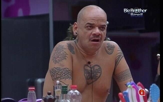 João Carvalho conversa com os aliados do Praia
