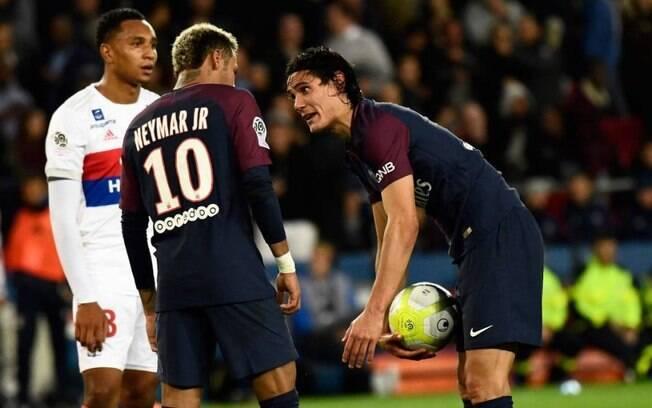 Neymar e Cavani discutiram feio no vestiário do PSG