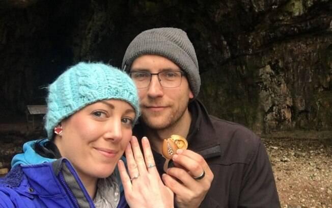 O anel estava escondido dentro de um colar feito por Terry