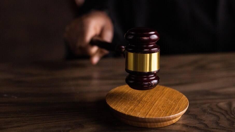 Ministro do STF Joel Ilan Paciornik revoga prisão de mulher desempragada que furtou para os cinco filhos não passarem fome