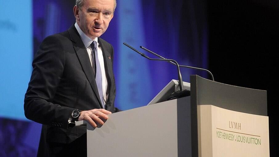 Bernard Arnault é o homem mais rico do mundo, com patrimônio de US$ 186,3 bilhões