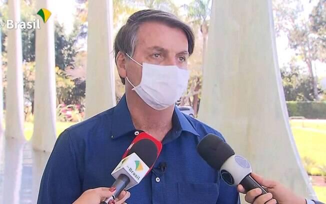 Jair Bolsonaro confirma que está com Covid-19