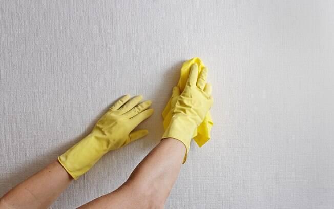 Lavar as paredes corretamente é essencial ao chegar na casa de praia