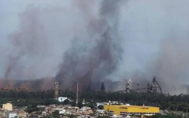 Gasômetro da Usiminas explodiu na tarde desta sexta-feira em Ipatinga (MG)