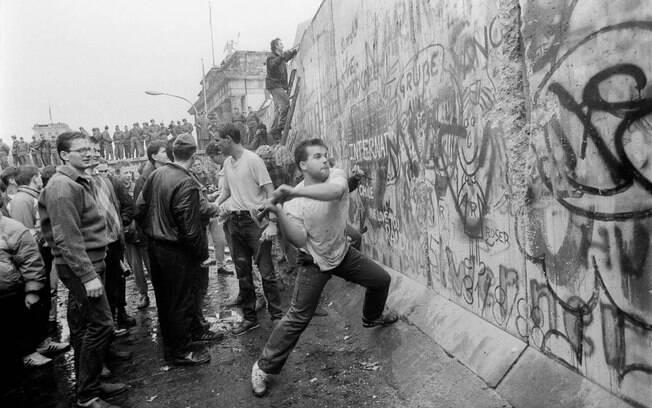 A Guerra Fria estava em seu auge - e só viria a acabar sete anos depois, com a queda do Muro de Berlim, na Alemanha