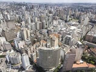 Ontem.  Foto do ano de 1956 mostra o início da verticalização de Belo Horizonte