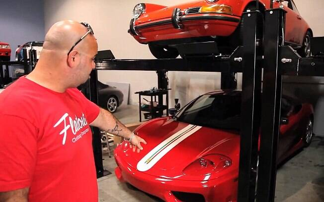 Coleção de carros de Paul Walker e Roger Rodas fica em Valencia, na Califórnia