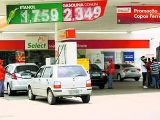 Pode explodir. Governo deve reajustar gasolina após eleições
