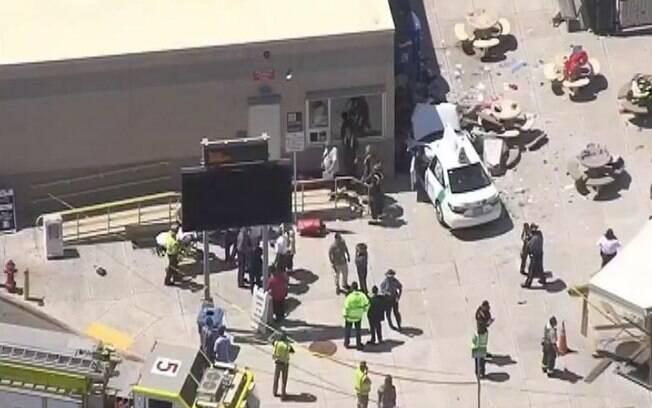 Embora a imprensa trate incidentes nos EUA com cautela, a polícia local não vê terror, mas um 'trágico acidente'