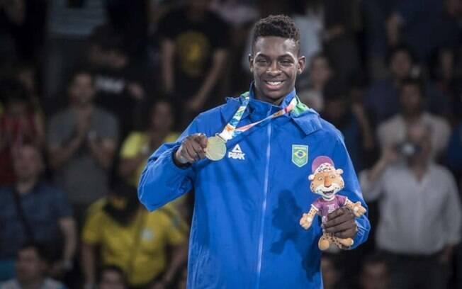 O boxeador de 18 anos, Keno Marley, levou o ouro nos Jogos Olímpicos da Juventude