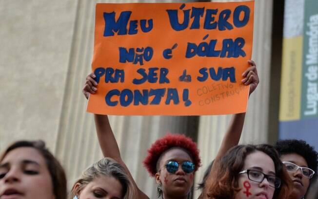 Manifestantes foram às ruas de São Paulo e Rio de Janeiro para protestar contra projeto de lei