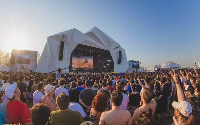 Desde o início do festival, foram encontradas também irregularidades em contratos trabalhistas