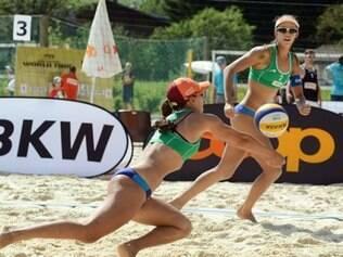 Taiana e Talita em ação pelo Grand Slam de Gstaad