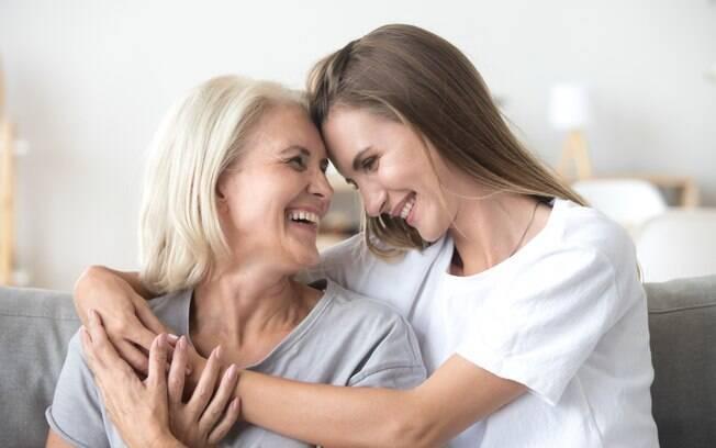 Como superar uma traição? Contar com uma rede de apoio formada por amigos e familiares é fundamental