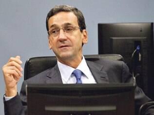 Magistrados têm que custear despesas com renda própria, diz Francisco Falcão