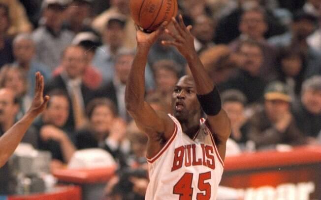 Michael Jordan foi ídolo do basquete e da NBA e fez história com a camisa do Chicago Bulls