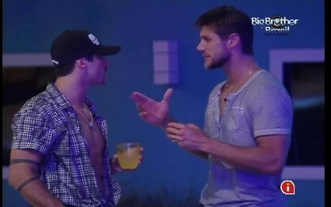 Yuri e Jonas conversam sobre a votação