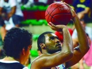 Garra. Kesley destaca ensinamento dos pais para persistir, estudar e chegar ao basquete profissional