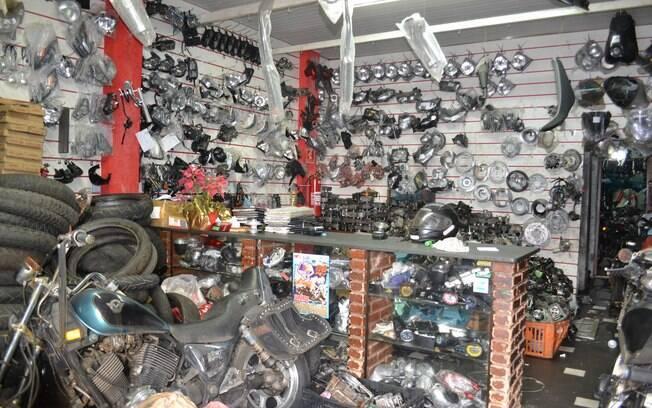 Imagem mostra loja em que foram encontradas peças sem comprovação de origem, nesta sexta