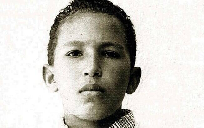 Foto sem data divulgada pelo Palácio de Miraflores mostra Hugo Chávez em uma foto familiar em Barinas, Venezuela