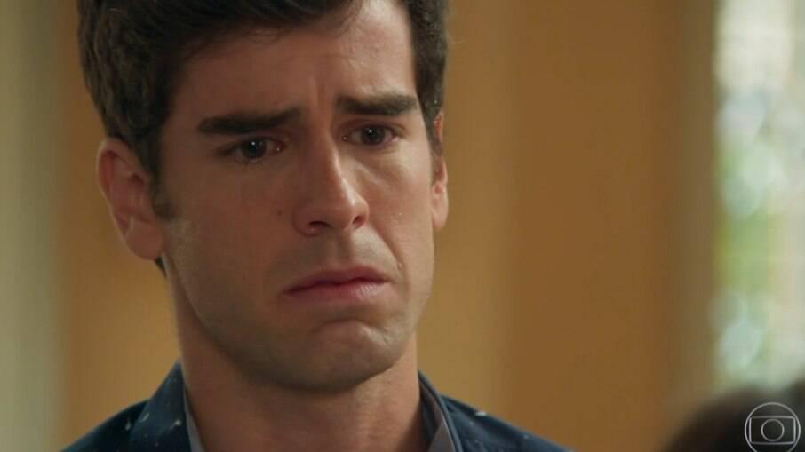 Felipe é obrigado a terminar namoro com Shirlei