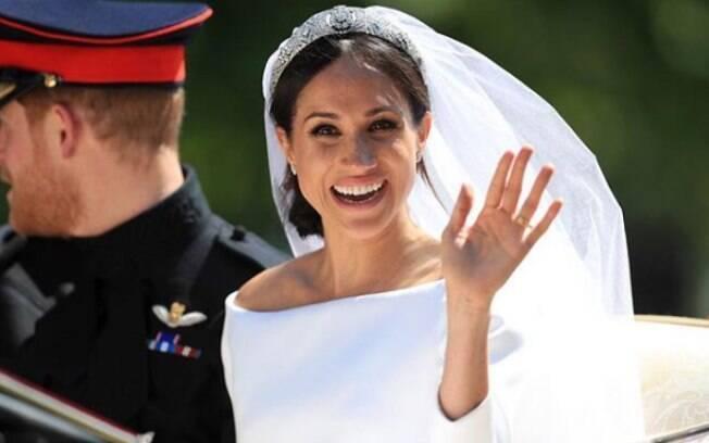 Segundo Biaggi, a noiva optou por uma make natural focada no brilho da pele e nos olhos bem carregados de rímel