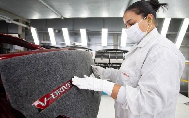 Nissan V-Drive é o nome do sedã que é fabricado em Resende (RJ) e vai ser vendido junto com o Versa que chegará do México
