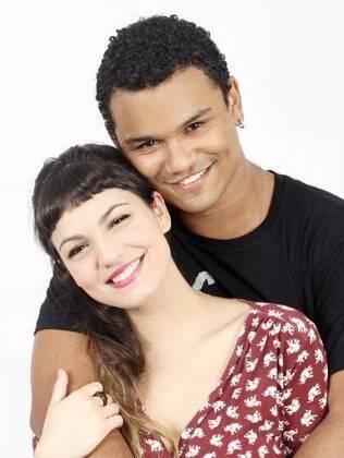Mariana Cortines e Land Vieira na peça 'Alice e Gabriel'