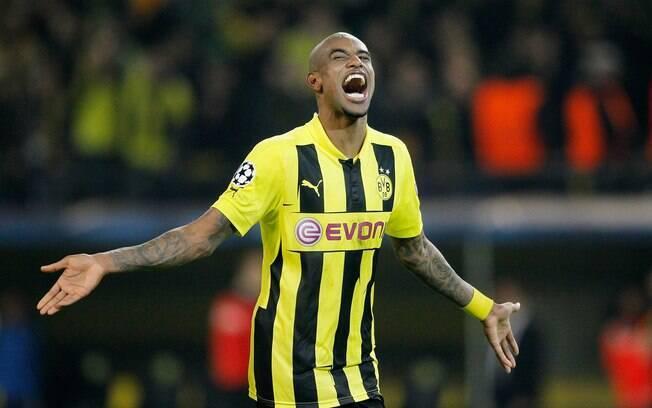 Felipe Santana, zagueiro do Borussia  Dortmund, celebra o gol histórico contra o Málaga