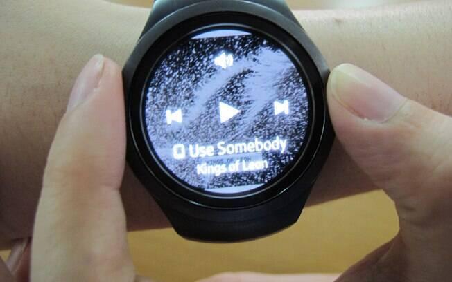 363decdabea O usuário pode utilizar o tocador de música do Gear S2