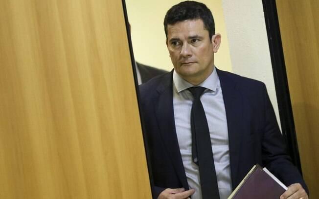 Sergio Moro alega querer acabar com organizações criminosas nos presídios