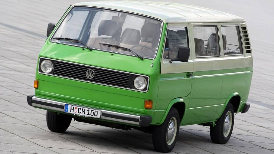 Volkswagen Kombi T3: terceira geração do utilitário já passou a ser equipado com motor refrigerado a água