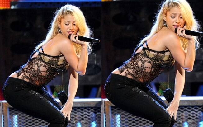 Shakira em sua performance para o Grammy Latino 2011