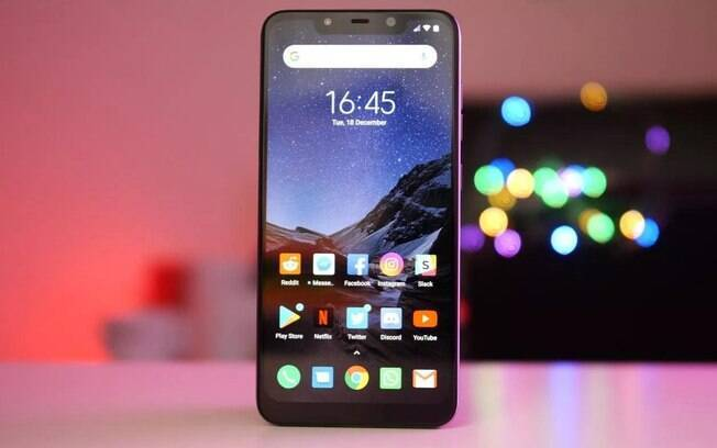 O Pocophone F1 é um dos destaques de velocidade da Xiaomi e é outra alternativa da marca em solo brasileiro