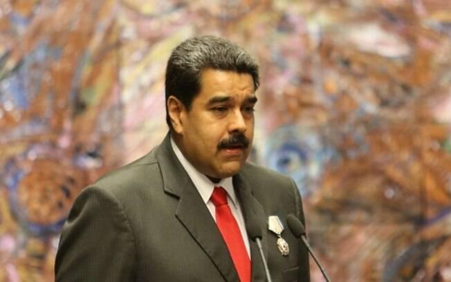 O presidente venezuelano Nicolás Maduro acusa Twitter de deletar conta de chavistas e fala em facismo