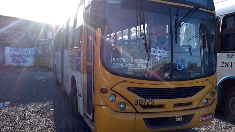 Na manhã desta terça, cerca de quatro ônibus foram roubados em Salvador